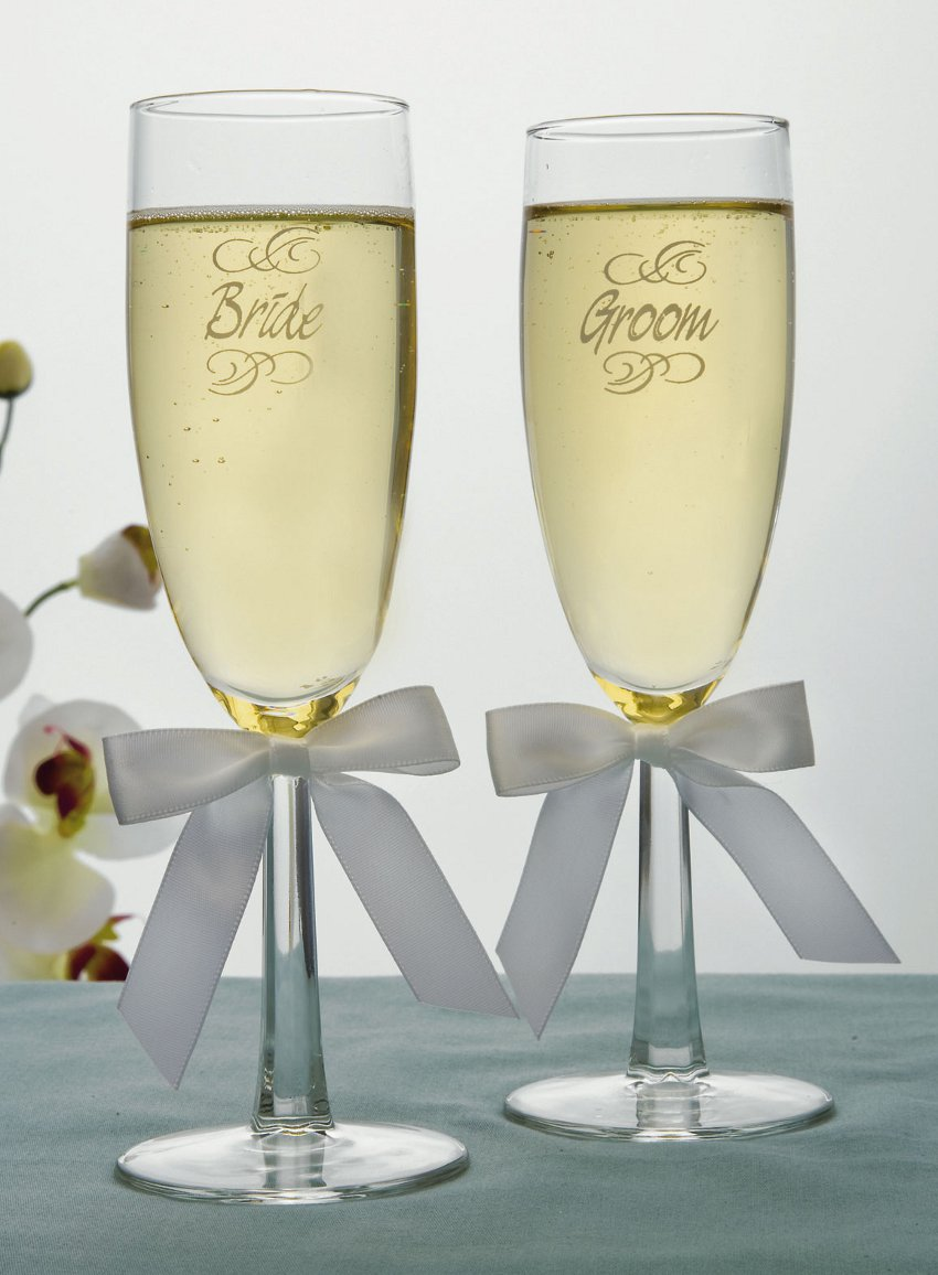 engraved bride groom wedding toasting flutes